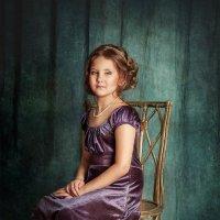 Девочка в лиловом платье :: Анастасия