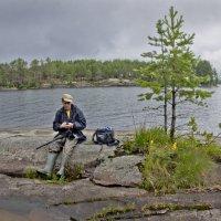 Фотограф и озеро 1 :: Валерий Талашов