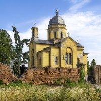 Сельский храм... :: Cергей Павлович