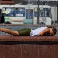 В городе жарко :: Юрий Оржеховский