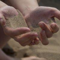 Время сквозь пальцы :: Наталья Сиротина
