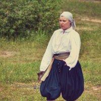 Женщина с кувшином :: Галина Galyazlatotsvet