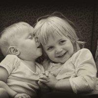 Братик и сестричка :: Наталия Ефремова
