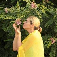 Благоухающий цветок. :: Александр Иванов