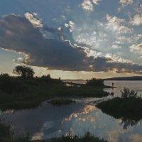 На рыбалке вечерком... :: Александр Попов
