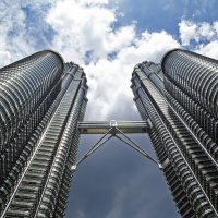 Малайзия. Куала-Лумпур. Башни Петронас, вид снизу :: Андрей Левин
