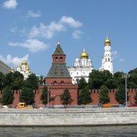 Как горделиво вознеслись кремля московского соборы :: Grey Bishop