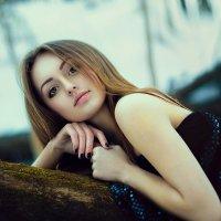 Elena :: Kerry Moore