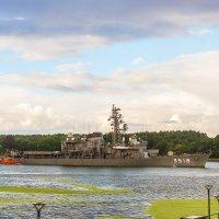 Корабли японских ВМФ покидают Клайпеду :: Леонид Соболев