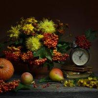 Не говори, что впереди – сентябрь... :: Валентина Колова