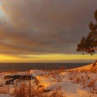 Первые лучи восходящего солнца :: Анатолий Иргл