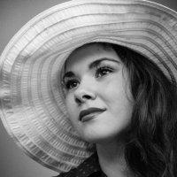Дама в шляпе :: Антонина Говор