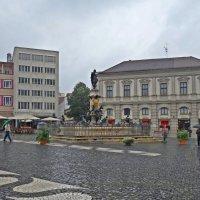 В городе дождь... :: Galina Dzubina