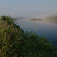 Рассвет на реке :: Валентин Котляров