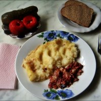 Обыкновенный завтрак для любителей солёностей :: Нина Корешкова