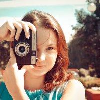 Девушка с фотоаппаратом :: Дмитрий Кузнецов