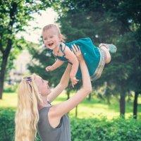Весело с мамой :: Angelika Faustova