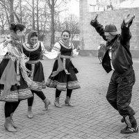 """""""Танцуют все!""""... :: Victor"""