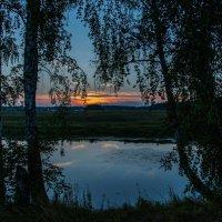 Закат. Озеро. Березки. :: Владимир Безбородов