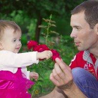 Отец и крошка-дочь :: Надежда Хлыстова