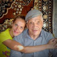 Дед и внучка. :: A. SMIRNOV