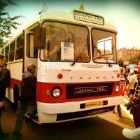 """Парад ретро автобусов """"Икарус - 180"""" :: Денис Масленников"""