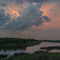 Вечер на реке :: Валентин Котляров
