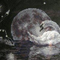 вышивка лебедь :: Инга Егорцева