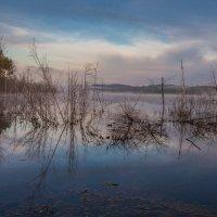 Рассвет на озере :: Сергей Сол