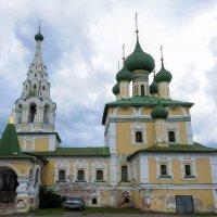 Храм в городе Углич :: Сергей Тагиров