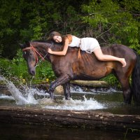 Девушка на лошади :: Анастасия Капустина