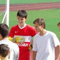 На футбол :: Анатолий Толстопятов