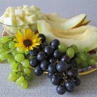 Дыня и виноград :: Татьяна Смоляниченко