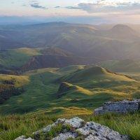 Открывает простор нам кавказский престол легендарного горного царства... :: Vladimir 070549