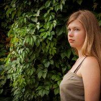 В тенистой зелени :: Alena Karpova