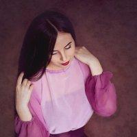Девушка в сиреневой юбке. :: Elena Klimova