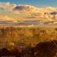Осень, дома, небо. :: Виктор Иванович