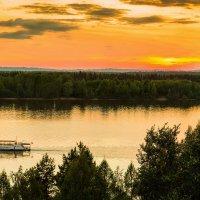 Закат на реке Каме :: Сергей Рогозин