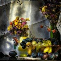 Сливы и виноград :: Ирина Сивовол