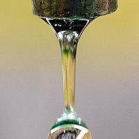 Капля воды из крана :: Асылбек Айманов