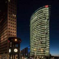 Берлин, небоскрёб Дойче-Бан :: Виталий Авакян