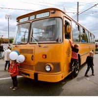 На выставке ретро-автобусов. ЛИАЗ 677-М :: Денис Масленников