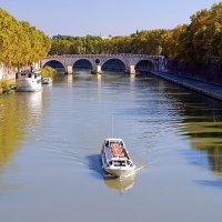 Река Тибр в Риме :: Денис Кораблёв