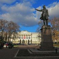 Площадь искусств в Питере :: Наталья
