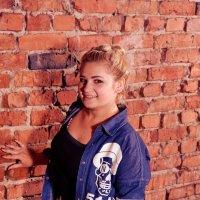 Блондинка в джинсе :: Валерий Подобный