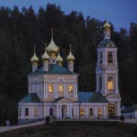 Ночь. Церковь в городе Плес. :: Сергей Тагиров