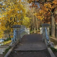 Осень в Гатчинском парке :: Наталья
