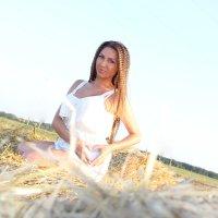 девушка на сене :: Елена Фотостудия ПаФОС