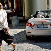 Кому BMW, а кому и босиком... :: Konstantin Berliner