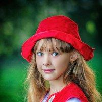 Красная шапочка :: Виктория Дубровская